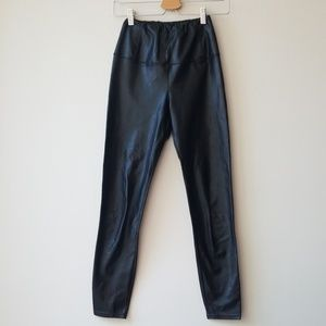 Aritzia Sz XS Black Daria Pant Leggings Leather